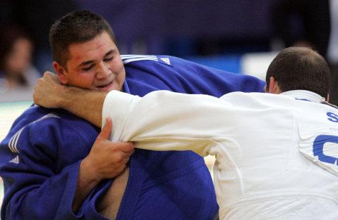 Vlăduţ Simionescu a cucerit argintul la Grand Prix-ul de judo de la Zagreb. Este a doua medalie a României în Croaţia