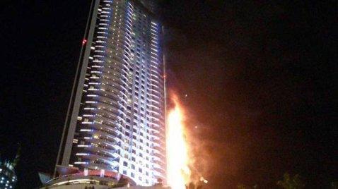 Incendiu uriaş în noaptea dintre ani, la Dubai. Mai mulţi români, în frunte cu promoterul Superkombat, Eduard Irimia, au scăpat, fugind pe scările de urgenţă | VIDEO
