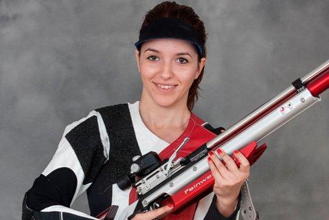 Laura Ilie, locul trei la Grand Prixul de tir de la Plzen, după ce s-a calificat în finală de pe locul întâi, cu record naţional