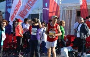 AMBIŢIE | Semimaraton alergat după şase luni de hemipareză. Un gălăţean de 65 de ani a impresionat prin incredibila sa voinţă