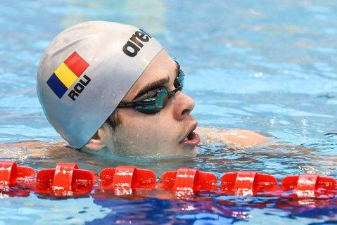 Robert Glinţă, calificat cu record naţional în finala probei de 100 m spate la Europenele de înot în bazin de 25 de metri de la Copenhaga