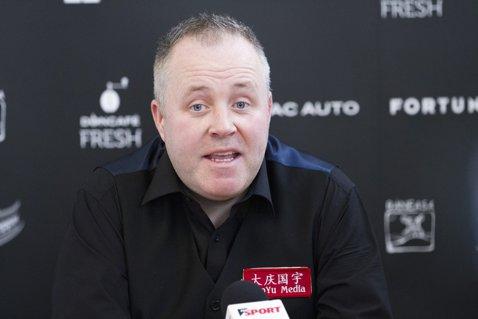 VIDEO INTERVIU | John Higgins regretă şi acum finala de Campionat Mondial scăpată printre degete în 2017. Cine are presiunea în circuit, cum se motivează şi ce şanse îşi acordă pentru egalarea lui Ronnie O'Sullivan, la Crucible