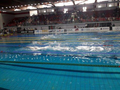 Patru recorduri la Internaţionalele de înot ale României, în ziua a doua a competiţiei din Bazinul Dinamo. Ce s-a întâmplat în primele zile de concurs
