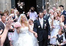 După patru ani, două operaţii, o nuntă şi un divorţ a revenit pe prima pagină a ziarelor. Anunţul făcut a fost preluat de toţi imediat