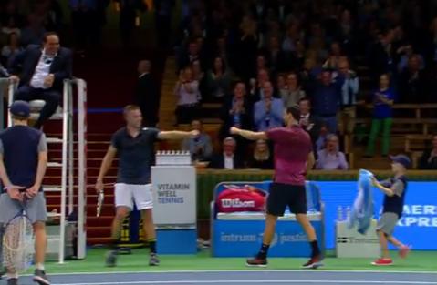 VIDEO GENIAL | Dimitrov a reuşit, în doar un minut, poate cele mai frumoase două puncte din istoria tenisului. Adversarul s-a dus să îl felicite