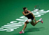 STATISTICĂ   Turneul rezultatelor ciudate. Competiţia de la Singapore, unde joacă primele opt tenismene ale lumii, abundă în răsturnări de scor. Halep, două surprize în trei meciuri