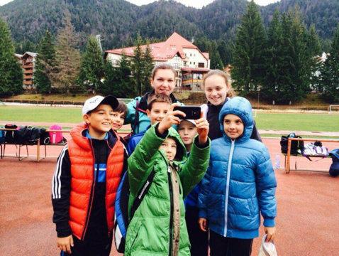 """Simona Halep se antrenează cu copiii la Poiana Braşov: """"Le-a acordat o atenţie deosebită"""""""