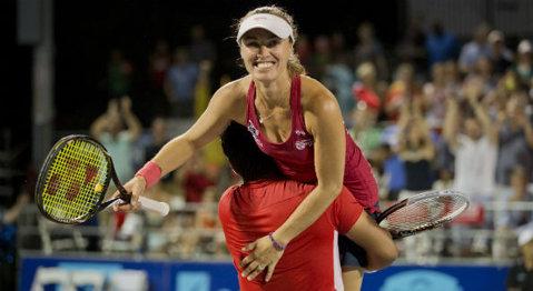 Martina Hingis şi Leander Paes au câştigat Openul Australiei la dublu mixt