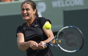 Monica Niculescu a jucat în Florida îmbrăcată de o firmă de echipament sportiv din Miami. FOTO | Surpriza elevei antrenorului Călin Ciorbagiu