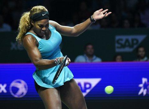 Serena Williams s-a calificat în optimi de finală la Madrid, după ce a reuşit să treacă de Stephens