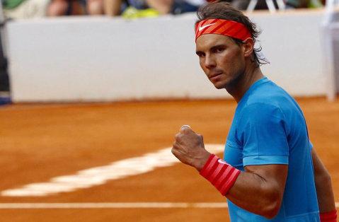 Nadal s-a întors la vechea rachetă şi la vechile obiceiuri pe zgură: prim meci fără emoţii la Madrid