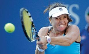 Alexandra Dulgheru, eliminată şi la dublu, la Wimbledon