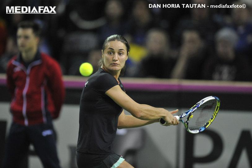 Monica Niculescu a abandonat în sferturile de finală ale turneului de la Sankt Petersburg