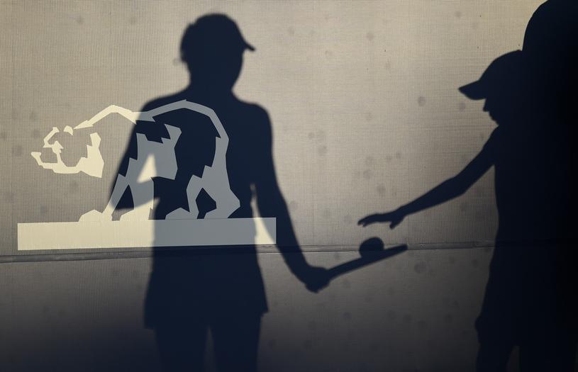 """""""Săptămâna neagră"""" a tenisului. Înfrângerea Simonei Halep, o piesă într-un puzzle al nesiguranţei în circuitul WTA"""