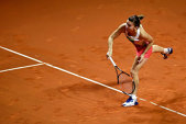 O oră de tenis pe Playstation! Simona Halep s-a calificat în optimi la Madrid: 6-1, 6-1 cu Karin Knapp