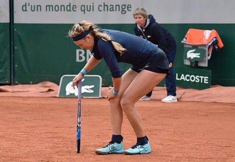 A mai căzut o favorită! Vika Azarenka s-a retras cu lacrimi în ochi de la Roland Garros