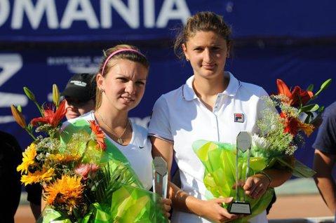 Visul unei semifinale româneşti la Roland Garros continuă. Simona Halep şi Irina Begu s-au calificat în optimile de finală ale competiţiei