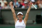 Victorioasă la Wimbledon după doi ani: Halep - Schmiedlova 6-4, 6-1! Simona a îngenuncheat-o pe slovacă! Begu şi Ţig au pierdut în turul I