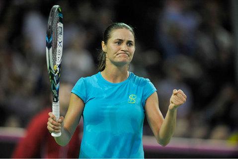 Niculescu n-a putut trece de Radwanska. Monica a pierdut în două seturi şi a fost eliminată de la Montreal