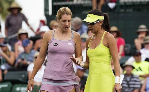 Raluca Olaru şi Olga Savchuk, eliminate în primul tur al probei de dublu de la Miami Open