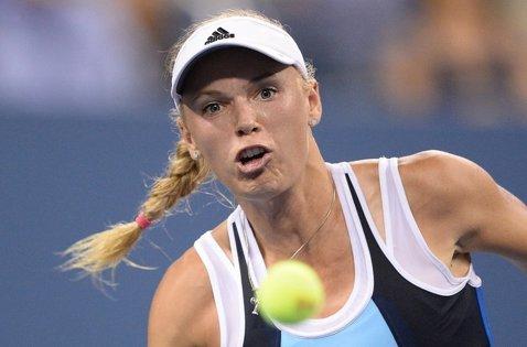 Caroline Wozniacki şi Karolina Pliskova s-au calificat în semifinalele turneului de la Miami