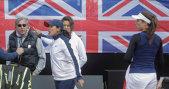 S-a înfuriat Ilie Năstase pe bună dreptate? Federaţia Internaţională a delegat un arbitru controversat şi un supervizor britanic la România - Marea Britanie! Deciziile bizare care au transformat meciul într-un circ