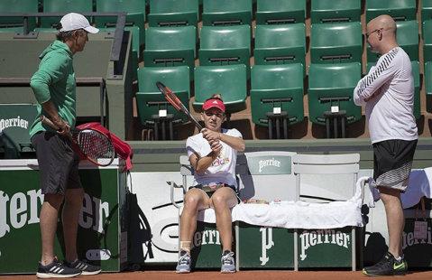 """Halep dezvăluie sfaturile primite de la Agassi înainte de Roland Garros: """"Mi-a spus să nu mai fiu moale..."""" Mesajul Simonei pentru campionul american"""