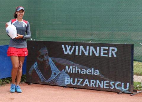 """Buzărnescu face senzaţie în circuitul ITF! """"Miki"""" a câştigat al doilea titlu consecutiv, după o victorie cu 6-1, 6-0"""