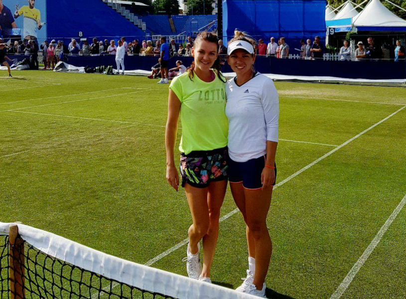 PHOTO | Halep and Radwanska, captured in a situation less common in Eastbourne. What did Simona together with her rival