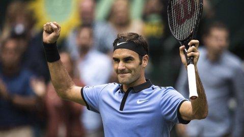 Federer arată clar că este omul de bătut la Wimbledon. Victorie fabuloasă în finala de la Halle: l-a demolat pe starul viitorului, Sascha Zverev, în 53 de minute!