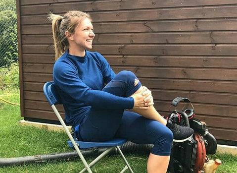 Distracţie şi mult tenis. Simona Halep se amuză teribil la Eastbourne, dar nu mai glumeşte când e vorba de antrenament | FOTO