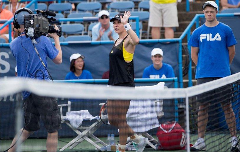 Atitudine, determinare, VICTORIE! Simona Halep s-a calificat în optimile turneului de la Toronto după 6-3, 6-4 cu Magdalena Rybarikova