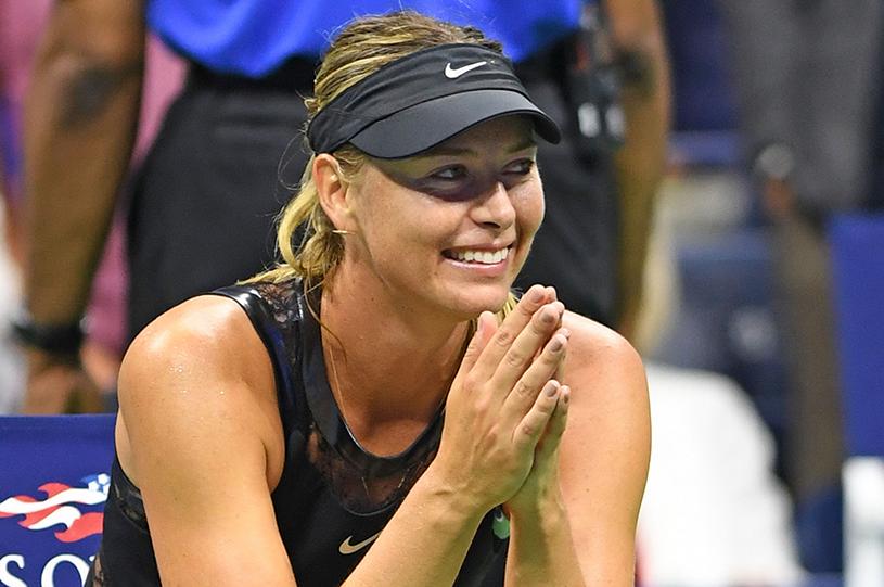 """Antrenorul Serenei Williams dă de pământ cu Maria Şarapova: """"N-ar fi trebuit ajutată să revină în elita tenisului!"""" Caroline Wozniacki a fost şi ea enervată de rusoaică: """"E inacceptabil aşa ceva"""""""