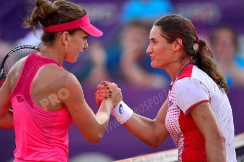 Simona Halep şi Monica Niculescu s-au retras din proba de dublu de la Wuhan Open