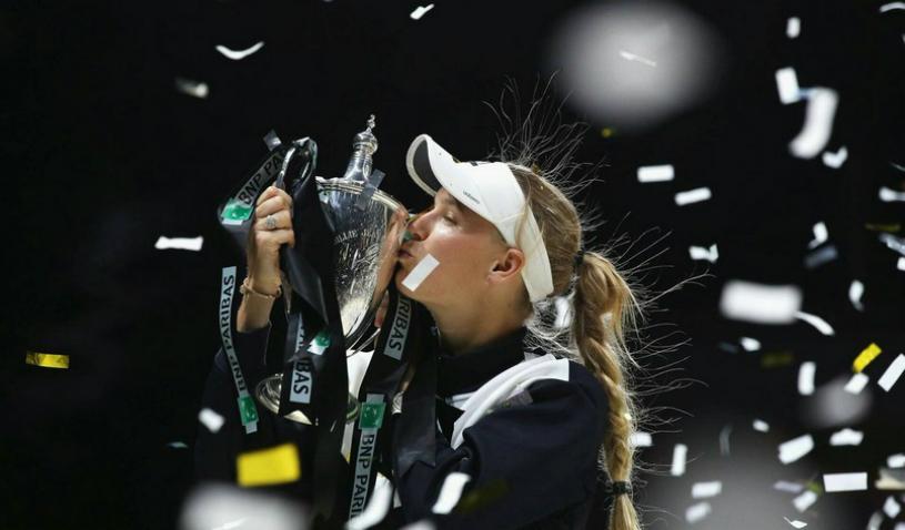 """Ce mai face Wozniacki după ce a câştigat Turneul Campioanelor. Caroline s-a logodit şi a luat o decizie radicală: """"Nu mai pun mâna pe rachetă!"""""""