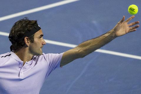 ANALIZĂ   Aşa a fost învins Roger Federer la Turneul Campionilor. Cinci aspecte care au făcut diferenţa de la primul set la decisiv