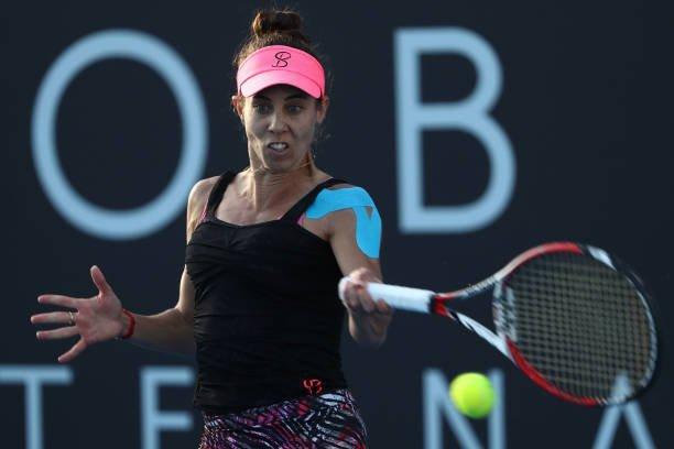 """Performanţă superbă pentru Buzărnescu: """"Miki"""" s-a calificat, la Hobart, în a doua semifinală WTA a carierei! Cine-i iese în faţă pentru un loc în finală"""