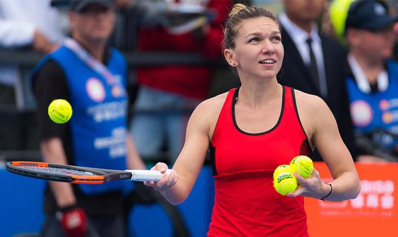 """Simona Halep, echipament """"made in China"""" la Australian Open :). """"Trimit poza către o croitoreasă. E un site în China...şi-n 24 de ore am ţinuta. Îmi vine perfect!"""""""