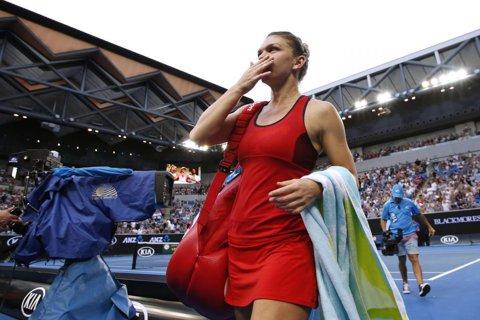 """""""Agresiva Halep o zdrobeşte pe Bouchard şi îşi păstrează visul!"""" Presa internaţională e la picioarele Simonei după demonstraţia de forţă de la Australian Open"""