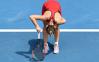 """""""Simt că muşchii mei sunt duşi, duşi!"""" Prima reacţie a Simonei Halep după 3 ore şi 45 de minute de bombardament american continuu impus de Lauren Davis pe centralul de la Australian Open"""
