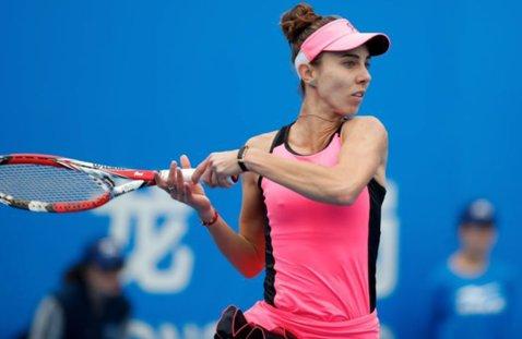 Continuă incredibila cursă a Mihaelei Buzărnescu. Românca a oferit o demonstraţie de tenis intens la Budapesta şi s-a calificat în turul doi