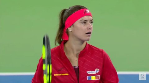 """A spus-o Sorana: """"Suntem Generaţia de Aur a tenisului românesc, avem valoarea necesară pentru a câştiga trofeul Fed Cup"""". Capitolul la care am devenit egalii granzilor SUA şi Rusia şi ne uităm de sus la Franţa şi Cehia: """"E incredibil!"""""""