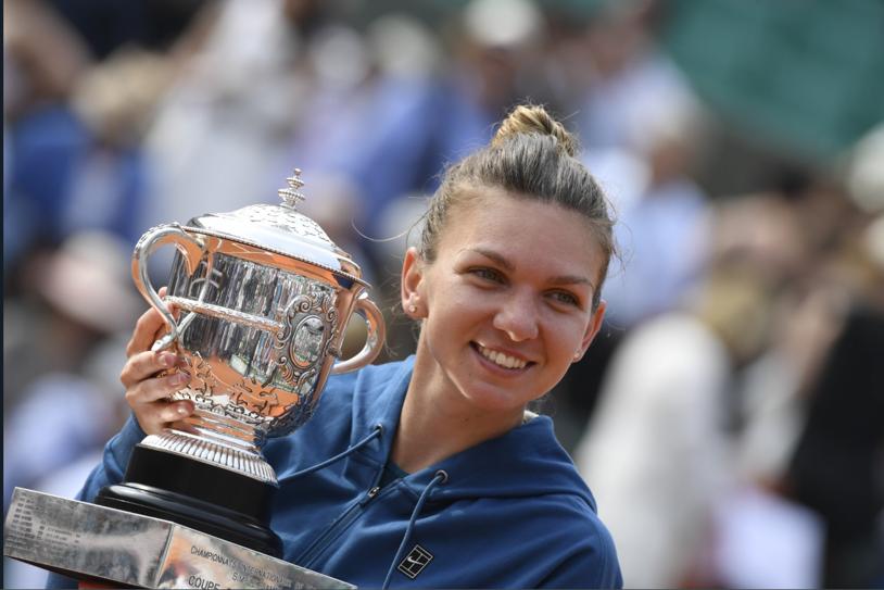 """Când a decis Nadia Comăneci să plece la Roland Garros, pentru a fi alături de Simona Halep: """"Am luat telefonul şi le-am spus că vreau imediat bilet la Paris"""". Va deveni Simona mai populară ca Nadia în România? Ce a răspuns """"Zeiţa de la Montreal"""""""