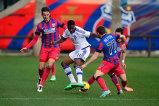Victor Ponta asistă la meciul Dinamo Kiev - Steaua alături de omologul său ucrainean Arseni Iaţeniuk