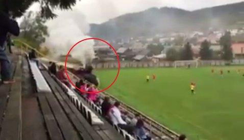 Opriţi meciul, trece trenul! VIDEO Cel mai neaşteptat lucru pe care îl poţi vedea pe un teren de fotbal