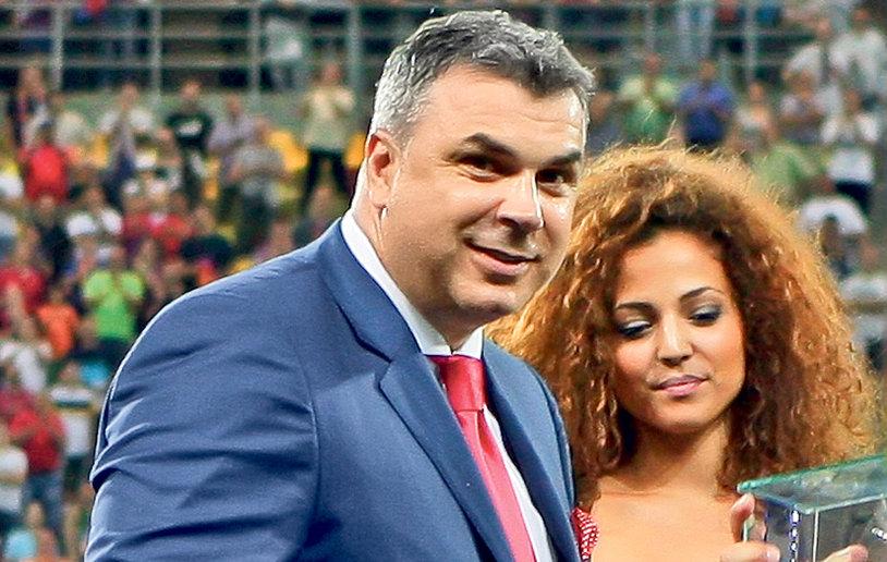 FOTO | Ea este soţia lui Cosmin Olăroiu