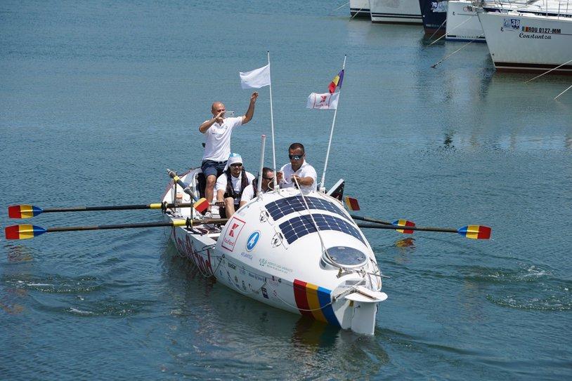 Echipa Atlantic4 a pornit în cursa de traversare a Mării Negre într-o ambarcaţiune cu vâsle
