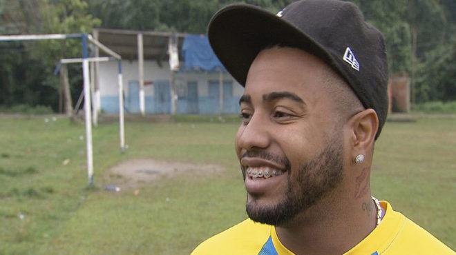 Un fotbalist brazilian a fost ucis după ce a fost împuşcat în faţă de un hoţ pe motocicletă
