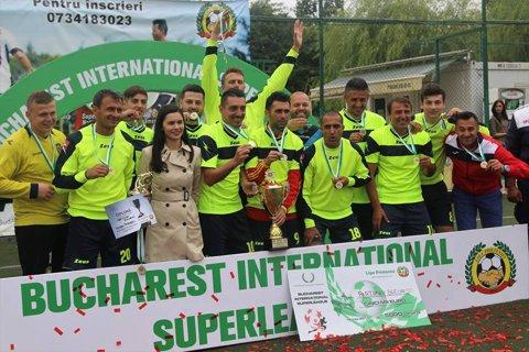 UEFAntasticii şi un fost dinamovist au scris din nou istorie: au câştigat, în premieră, un trofeu