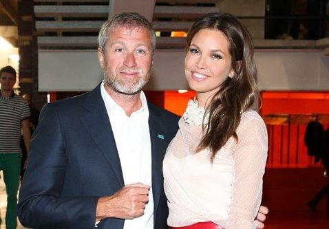 Anunţ BOMBĂ! Roman Abramovich divorţează! Cât îl poate costa despărţirea pe patronul lui Chelsea, omul cu o avere estimată la peste 7 miliarde de euro